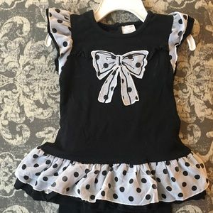Two-piece girls bow and ruffle outfit